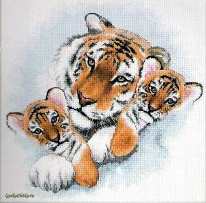 Siberian Snuggle Tigers 13695 / Уссурийские тигры
