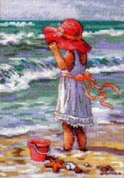 Girl at the Beach 65078 / Девочка на берегу