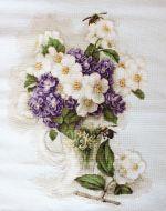 Ваза с цветами жасмина В512